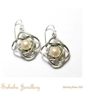 Hand Crafted Pearl Earrings