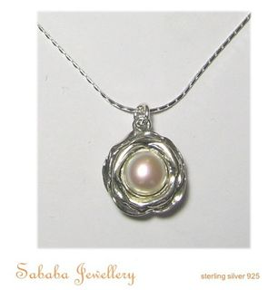 Solitaire Flower Pearl