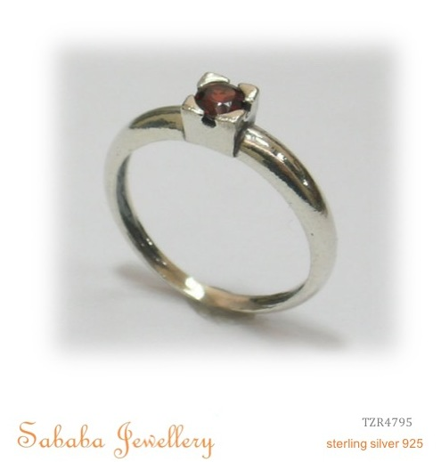 Solitaire Cluster Ring