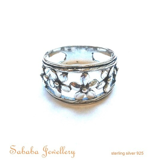 Flower Band in Sterling Silver